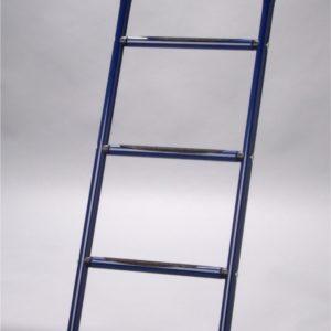 blaue Trampolin-Leiter